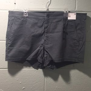 NWT mid rise Express shortie